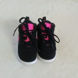 Nike Mid Lace Up Toddler Girl's Shoes.